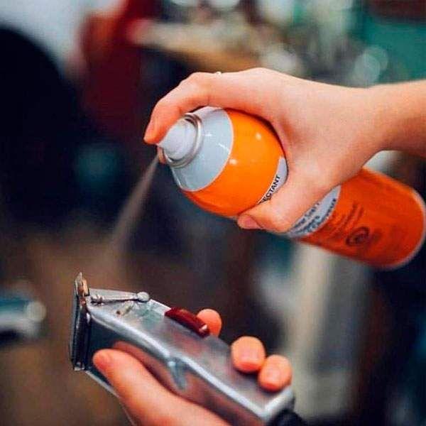Аэрозоль для дезинфекции и смазки машинок Clippercide 500 мл.